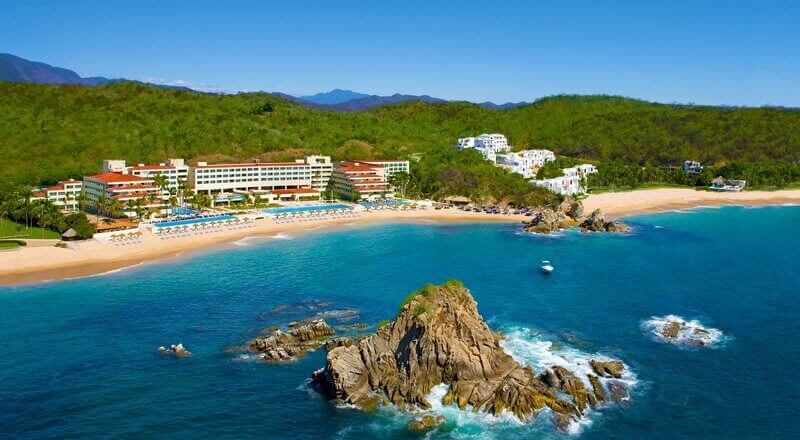 Dreams Huatulco Resort & Spa - Solo Travel and Singles Vacations