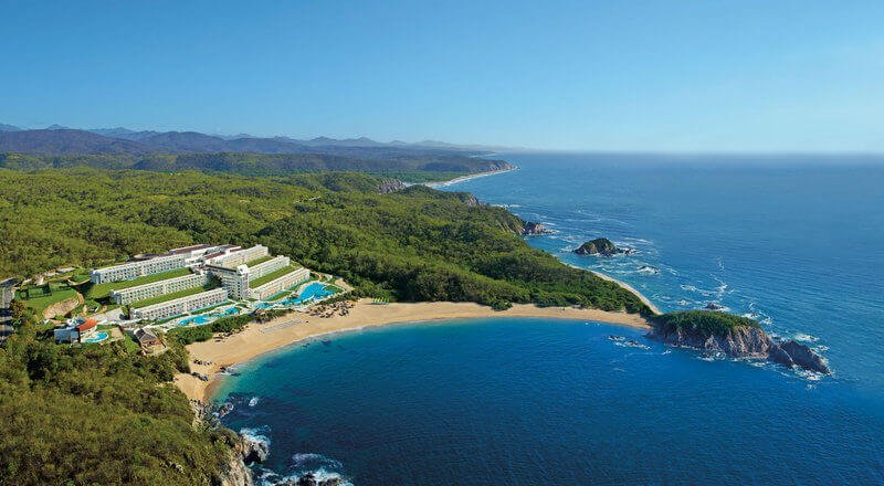 Secrets Huatulco Resort & Spa - Honeymoons