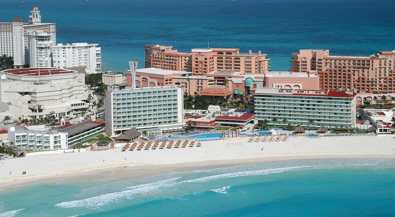 Krystal Cancun Traveloni
