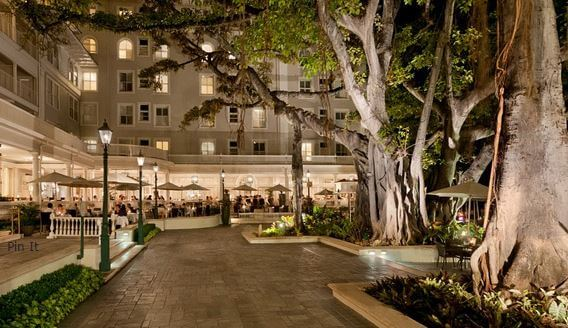 Moana Surfrider, A Westin Resort - Solo Travel and Singles Vacations