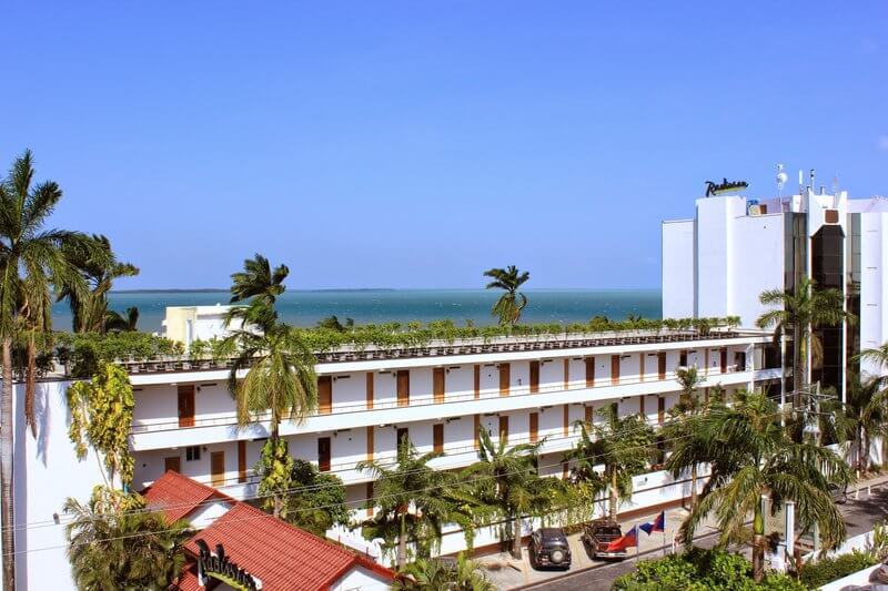 Radisson Fort George Hotel & Marina - Spa Vacations